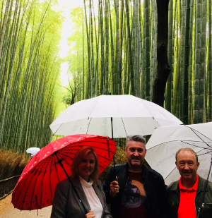 0518 Vaneessa David Greg umbrellas bamboo Japan-739